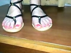 foot fetish gf high arched feet in sandals