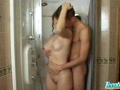 Teenage Couple Fucks In Shower