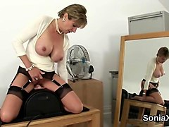 adulterous british mature lady sonia shows her massive melons