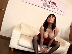 i like to see my pretty japanese gf wearing a sexy lingerie