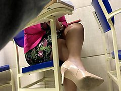 Candid tatoo foot high heels shoeplay dangling in college 2