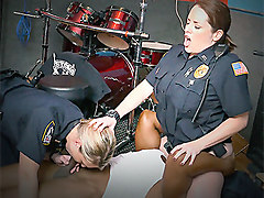Maggie Green & Joslyn in Raw video captures police fucking a deadbeat dad - BlackPatrol